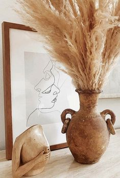 minimal interiors Contrary to popular belief, pampas grass decor is not exclusive to weddings or boho homes. This trend has proven to add even more sophistication to a luxe minimal i