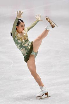 Rika Kihira of Japan performs her routine in Ladies free skating. Gymnastics Photos, Gymnastics Girls, Beautiful Girl Image, Beautiful Asian Girls, Athlete Costume, Cute Japanese Girl, Figure Skating Dresses, Women Figure, Cute Girl Outfits