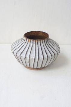Malinda Reich Vase no. 048
