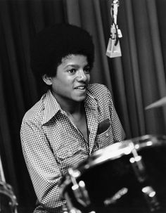 Photo of Young Michael for fans of Michael Jackson 37174829 Young Michael Jackson, The Jackson Five, Jackson Family, Janet Jackson, Lab, King Of Music, The Jacksons, Archangel Michael, Record Producer