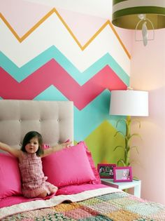 Original pinner said ... love the chevron wall for a girls room. It could be simple and cute enough to stay throughout her childhood and even teen years! Ive been thinking to paint my room very similar to this ! :)