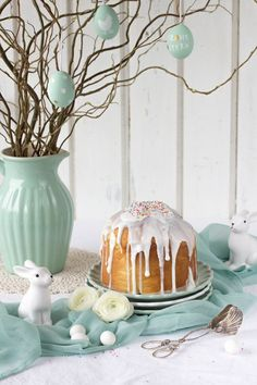 Oster Cupcakes, Easter Biscuits, Easter Flower Arrangements, Desserts Ostern, Easter Specials, Easy Easter Crafts, Easter Table Decorations, Easter Colors, Easter Holidays