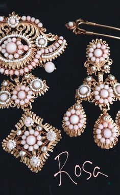 Story Ideas, Traditional Outfits, Pearl Earrings, Fashion, Vestidos, Hair Combs, Dressings, Quilling, Products