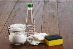 Plíseň na stěnách dokáže odstranit běžná jedlá soda – Domaci Tipy Glass Of Milk, Cleaning, Food, World, Squeezed Lemon, Vinegar, Juices, Vegetables, Food Items