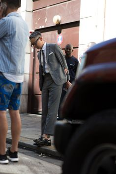 """""""The strongest looks on the street at Paris Fashion Week S/S '16 - GQ.co.uk"""""""