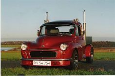 Mini Morris, Little Truck, Morris Minor, Mini Trucks, Ford Trucks, Buick, Hot Rods, Antique Cars, Van