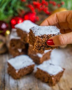 Juicy gingerbread from a vegan tin - Mrs Flury - eat and live healthy - Healthy gingerbread from vegan tin Mrs Flury Ruckzuck Lebkuchen, vegan baking, simple, q - Raw Food Recipes, Cake Recipes, Healthy Recipes, Vegan Gingerbread, Vegetarian Lifestyle, Beginner Vegetarian, Healthy Lifestyle, Vegan Christmas, Christmas Cookies