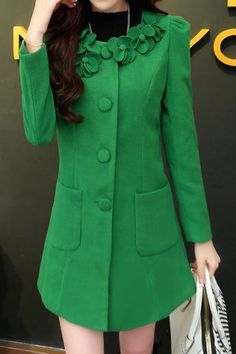 Stylish Round Neck Stereo Flower Embellished Long Sleeve Women's Coat