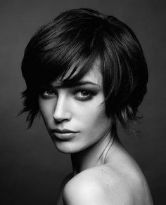 Short Hairstyles for Thick Hair & Oval Face