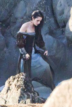 Kristen Stewart Snow White And The Huntsman Costume Stewart in snow white