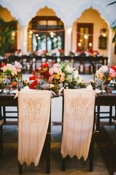 This Mexico destination affair is the kind of wedding that deserves to be swooned with a cocktail in hand. A margarita on the rocks, to be be specific. Because when you've got images as beautiful asEmily Blake'sand glam-filled moments designed