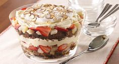 Gingerbread Trifle: Chunks of festive gingerbread, layered with spiced vanilla pudding and fruit come together in an updated trifle.