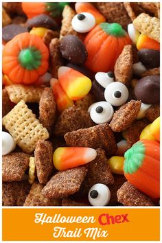 Candy corn, spooky eyes, pumpkins and Chocolate Chex™, oh my! Halloween Chex™ Trail Mix packs all of our favorite seasonal treats into one delish dish! Trail Mix Recipes, Snack Mix Recipes, Fall Recipes, Snack Mixes, Halloween Trail Mix Recipe, Chex Party Mix, Easy Snacks For Kids, Easy Halloween, Holiday Baking