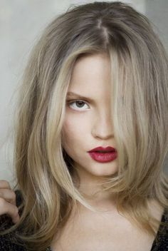 Dark roots, blonde highlights. Simply gorgeous!