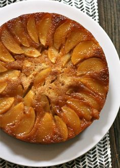 The best apple upside-down cake ever. Pineapple's are great, but apples are in season. This delicious cake takes next to no time to make and is the perfect dessert to bring to Thanksgiving dinner this year. Apple Dessert Recipes, Fall Desserts, Apple Recipes, Just Desserts, Fall Recipes, Sweet Desserts, Snack, Eat Cake, Cupcake Cakes