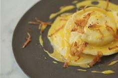 Tortelli di ricotta di pecora su zabaione caldo e pancetta croccante   Food Loft - Il sito web ufficiale di Simone Rugiati