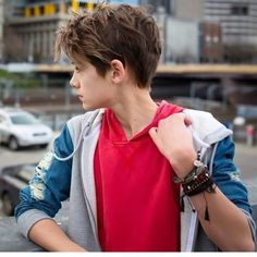 Celebrities - William Franklyn-Miller Photos collection You can visit our site to see other photos. Tomboy Hairstyles, Cool Hairstyles, Beautiful Boys, Pretty Boys, Cute 13 Year Old Boys, William Franklyn Miller, Beauty Of Boys, Cute Teenage Boys, Boy Models