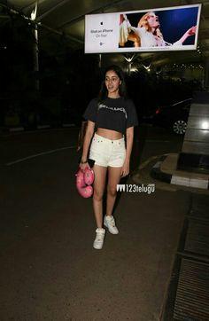 Indian Actress Hot Pics, Indian Actresses, Drape Dress Pattern, Actress Without Makeup, Heavy Dresses, Draped Dress, Cheer Skirts, Life Quotes, Sporty