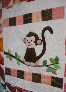 Katie's Quilts and Crafts: Monkey Baby Quilt Mehr Owl Baby Quilts, Lap Quilts, Small Quilts, Quilt Baby, Amish Quilts, Patchwork Quilt Patterns, Applique Patterns, Applique Quilts, Hexagon Quilt