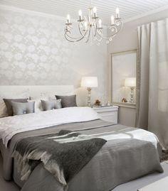 Harmoninen värimaailma, runsaat tekstiilit ja ripaus kimallusta luovat makuuhuoneeseen ihanan ylellisen tunnelman. Klikkaa kuvaa, niin näet tarkemmat tiedot.