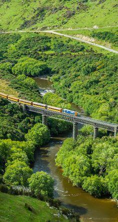 Taieri Gorge train, Otago, South Island, New Zealand www.trademycampervan.co.nz