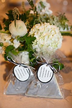 """Mountains of Thanks for joining us"" cookies from Denver / Photo from Annie & Joe- Wedding collection by Kina Wicks Prints"