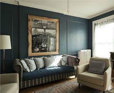 decorology: An East Village apartment by the Novogratz - Color paredes - Foto interior avion con marco madera