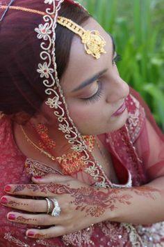 Bridal make-up and mehndi Bridal Make Up, Mehndi, Crown, How To Make, Beauty, Jewelry, Fashion, Moda, Corona