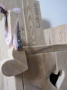 Kinderstoel van steigerhout sweet heart  Te koop by w00tdesign