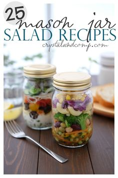 Mason Jar Salad Recipes You Will Devour Mason Jar Salad Recipes You Will Devour - Crispy Rolled Chicken Parma Best cuisine based on your zodiac sign! Mason Jar Lunch, Mason Jars, Mason Jar Meals, Meals In A Jar, Salad In A Jar, Soup And Salad, Healthy Snacks, Healthy Eating, Healthy Recipes