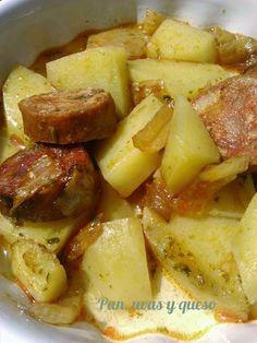 Saben a beso: Patatas con chorizo en Crock-Pot Crock Pot Slow Cooker, Slow Cooker Recipes, Crockpot Recipes, Chorizo Recipes, Mexican Food Recipes, Recetas Crock Pot, Brunch, Slow Food, Food And Drink