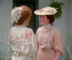 Anne Shirley And Diana Barry on Anne Of Green Gables Love Quotes Anne Of Avonlea, Road To Avonlea, Anne Shirley, Going Away Dress, Anne Auf Green Gables, Lucas Jade Zumann, Diana Barry, Victorian Fashion, Vintage Fashion