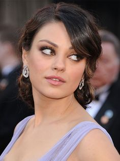 ...and front view from Mila Kunis. This do should work nicely with grad hat as well. Lovely.