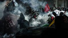 A revolta dos trabalhadores na França em fotos e vídeos incríveis