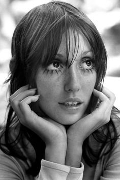Watery Eyes, Horse Face, Rat Teeth – Beautiful Photo of Shelley Duvall from the Pretty People, Beautiful People, Piskel Art, Festival Girls, Poses References, Jolie Photo, Portrait Inspiration, Photo Reference, Headshot Photography