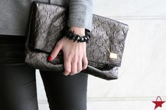 Star-Bag of The Week: Louis Vuitton Limelight Clutch - #Starbags_eu #Outfit #Inspiration