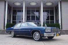 1976 Chevrolet Impala 4-Door Sedan Caprice Classic, Chevy Impala Ss, Classic Chevrolet, Bel Air, Erotica, Vintage Cars, Convertible, Boats, Classic Cars