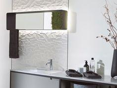 A VS Fürdőszoba Szalon kínálatában szereplő Porcelanosa Mosaico Matt prémium minőségű csempelapjai különleges 3D-s hatásukkal nem mindennapi látványt teremtenek. Az idei trendnek megfelelően letisztult vonalat képviselnek, a fényes fehér felület pedig optikailag tágítja a teret. Karton Design, 3d Tiles, Bathroom Lighting, My Design, Mirror, Furniture, Home Decor, Mosaics, White People