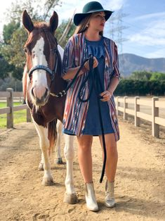 Fall western style in California Cowgirl Style, Western Style, Cowgirl Boots, Cowboy Hats, Fashion Books, Fashion Outfits, Equestrian, California, Fall