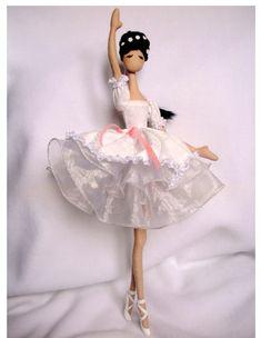 tryapiensa- I like her dress.