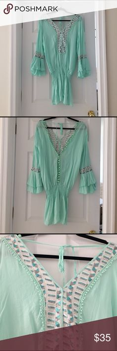 Bohemian top/dress Very pretty sea foam green bohemian top. Meant to be scrunched up at the waist. Very flattering Surf Gypsy Tops Blouses