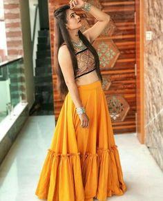Crepe ruffle skirt Festive collection for more details dm or whatsapp on 😊👜👡👒👗💍💄👛👝 Use hashtag ✔️ Garba Dress, Navratri Dress, Lehnga Dress, Lehenga Choli, Anarkali, Choli Blouse Design, Choli Designs, Lehenga Designs, Indian Designer Outfits