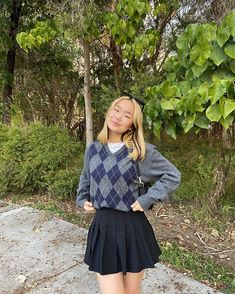 Teen Fashion, Fashion Outfits, Korean Fashion, Dress Outfits, Fashion Tips, Aesthetic Clothes, Skater Skirt, Black Pleated Skirt, Cute Casual Outfits