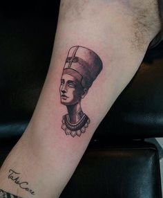 Nefertiti por Antonio Medeiros Galeria do Rock 1º andar Loja 228 Centro - SP.  11 3223-4174 11 99215-0289 Seg a Sex. 10h às 19h - Sab 10h às 18h studiotat2@yahoo.com.br www.tat2.com.br  #sp #saopaulo #galeriadorock #centrosp #studiotat2 #tat2  #neotradicional #realismo #tribal #oriental #tradicional #oldschool #linework #dotwork #blackwork #pontilhismo #tattoo #tatuagem #tatuaje #inspirationtatto #tatuagemmasculina #tatuagensfemininas  #tattoosincriveis #tattoo2me #brasiltattoo