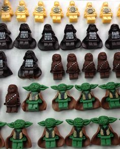 Homemade, edible Star Wars Lego figures for cupcakes