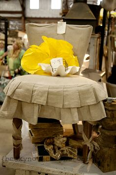 slipcover/dressing table chair