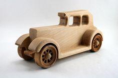 """Spielzeug - Holzauto """"Plymouth"""" mit Gravur - ein Designerstück von woodpeckers bei DaWanda"""