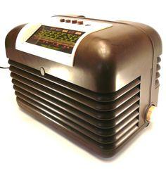 1950s vintage Bush DAC10 valve radio, bakelite case, art deco style