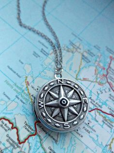 Silver Detailed Compass Locket Necklace