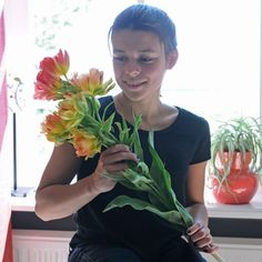 Tulpe 'Fruitcocktail' - jede Zwiebel bildet fünf wunderschöne Blüten in Gelb, Orange, Pink, Rot - ein echtes WOW im Garten - bestellbar bei www.fluwel.de